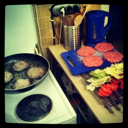 Burger (1) vorher.